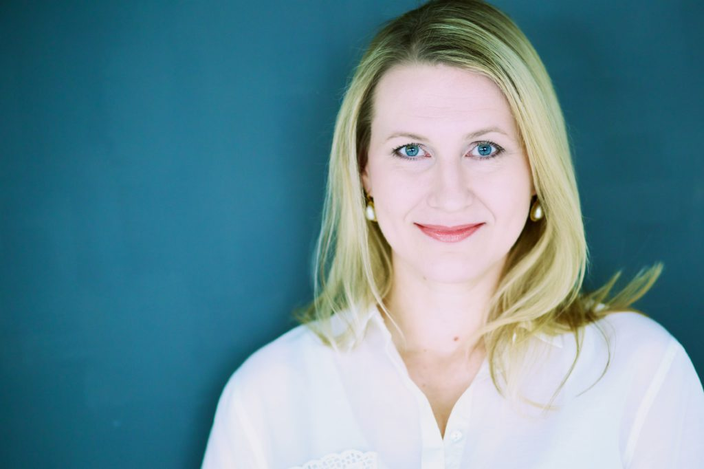 Jenni Ryynanen I on Image image consultant, personal shopper, personal stylist, wardrobe stylist amsterdam